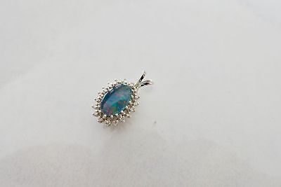 Exclusiver Opal Brillant 18 x 0,02 ct. Kollier Anhänger , in 585 Weiss Gold
