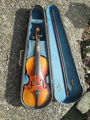 Antique 7/8? Violin, Wooden case and bow. For restoration. Looks well used.