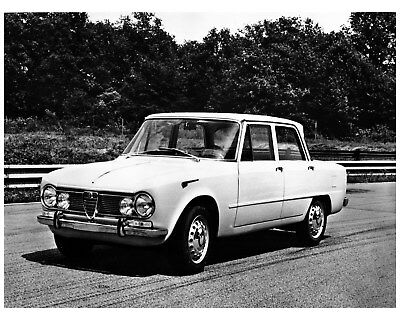 1965 1966 Alfa Romeo Giulia Berlina Factory Photo cb0723