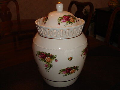 Royal Albert Country Rose Cookie Jar COLLECTOR ITEM-NUMBERED 7012 / 8000