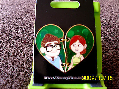Disney * CARL & ELLIE - UP! - 2 Piece Heart * New on Card Trading Pin