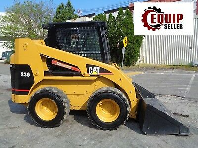 Caterpillar 236 Skid Steer Loader - Enclosed Cab - Auxiliary Hydraulics - Diesel