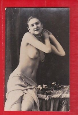 Glamour, Risqué nudes, Erotic French card, approx 1920's