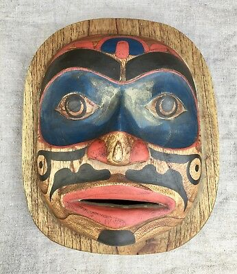 masque amerindien bois peint North American Indian Canada painted wood mask 1910