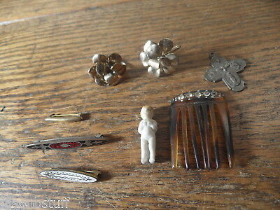 A2 Lot of vintage earrings, hairclip, Victorian bar pins, old miniature doll