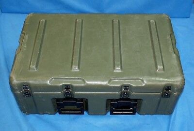 Pelican Hardigg Military Supply Chest Casters 472-MEDCHEST3-182 33x21x13 Cracks