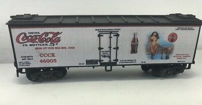 HO CUSTOM LETTERED  COCA-COLA REEFER WITH Beautiful Girl With Animal