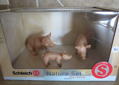 NIP Schleich Rare retired #40908 Pig Family Boar 1 Sitting Sow Piglet Standing