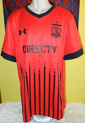 2016-2017 Men s Under Armour Fitted HeatGear Colo-Colo Soccer Jersey Size  XL Red c378949ac