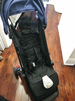 Mountain Buggy Nano - good condition in blue / black