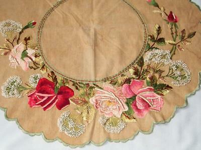 Antique 1900s ROYAL SOCIETY Embroidery Silk ROSES French Knots Doily Tablelcoth