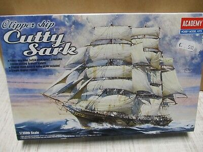 124MB - Academy 14110 - 1:350 - Bausatz Clipper Ship Cutty Sark - top in OVP