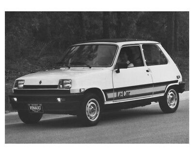 1983 Renault Fuego & LeCar Automobile Factory Photo ch8499