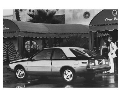 1982 Renault Fuego Automobile Factory Photo ch8502