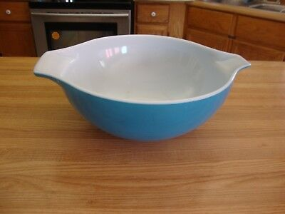 One Vintage Blue Pyrex Mixing Bowls Made In U.s.a. 444   4 Qt