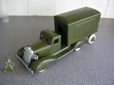 RARE 40s TRIANG MILITARY LORRY MODEL PRESSED STEEL.