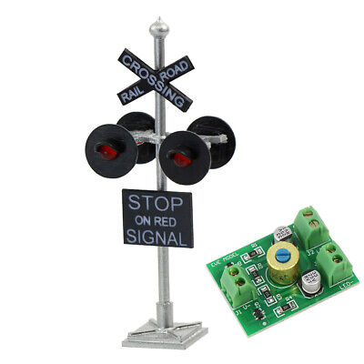 1 lot HO Scale Railroad Crossing Signal 4 heads LED made + Circuit board flasher