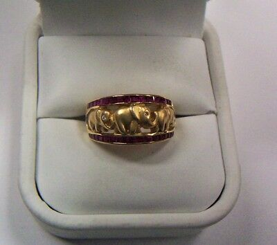 Ladies 18 kt. Yellow Gold Elephant Ring with 32 square cut Rubies * size 6 3/4