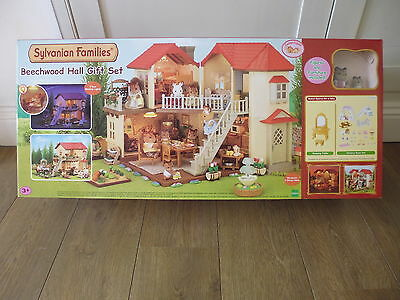 Sylvanian Families Beechwood Hall Gift Set 5172 - Squirrel Figures + Furniture