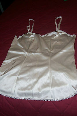 Vintage Camesole - From 80's - Creamy Color - Polyester - Size 32