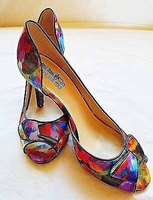 f0ff2040f9308 Coach and Four Peep Toe Multi-Color Heels Womens Size 7 Water-Color Design