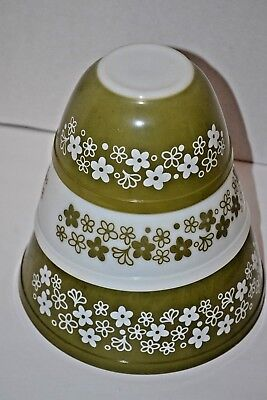 Three Vintage Pyrex Green And White Crazy Daisy Bowls  #401 #402  #403