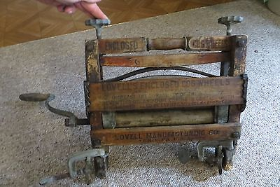 Lovell's Mfg.Co enclosed cog wheels clothing wringer antique wood handled 1896
