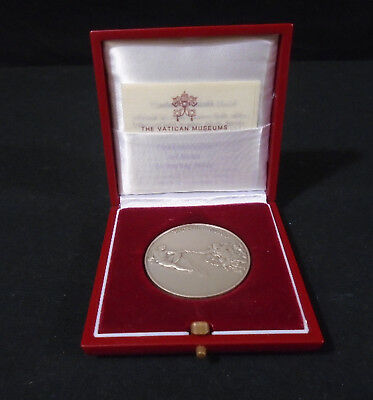 The Vatican Museums Sterling Silver Commemorative  1992 Art Medal.  (430)