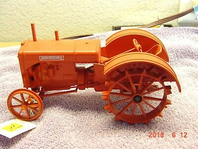 Allis Chalmers Steel Wheels Tractor, 1/16, Die-Cast, Spec Cast Model