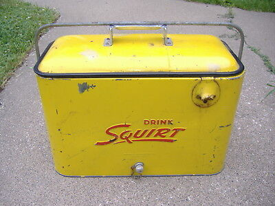 Vintage 1950's Squirt Soda Pop Picnic Cooler Ice Chest Embossed Metal W/Tray