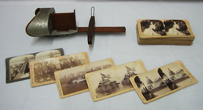 Antique Underwood & Underwood Stereopticon and 30 Scene Cards (750)
