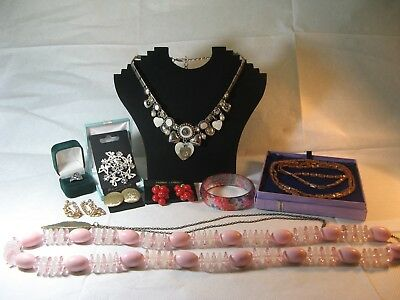 Job Lot of Vintage and Modern Jewellery.