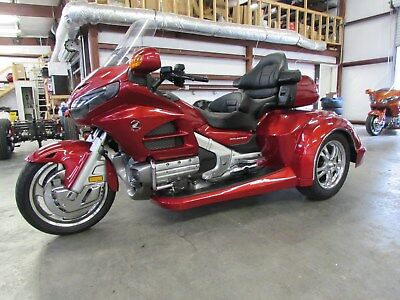 2016 Honda Gold Wing  2016 HONDA GOLDWING GL1800 NEW  ROADSMITH HTS1800 TRIKE WITH RUNNING BOARDS