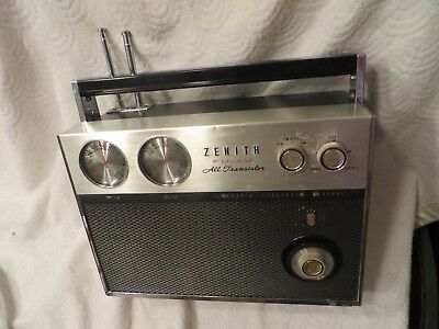 Vintage Zenith Royal 2000 Transistor AM/FM Radio Works