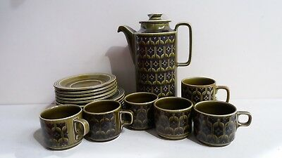 Hornsea Pottery Heirloom Green Coffee Pot, Cups and Saucers & Side Plates (B45)