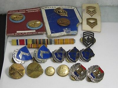 VINTAGE WWI  WWII  LOT OF MILITARY Pins Medals Badges Rank Insignia 20 Pcs