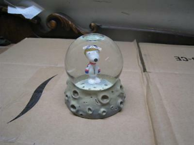 Nasa Snoopy - Snow Globe / Westland Giftware - Item # 18252