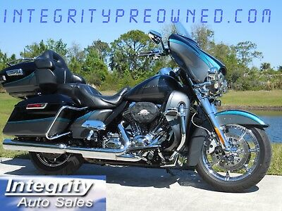 2015 Harley-Davidson Touring  2015 Harley Davidson CVO Limited Flawless Bike Warranty!!!