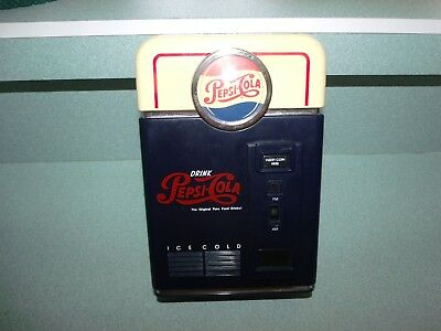 Vintage Pepsi Cola Vending Machine Novelty AM / FM Transistor Radio Collectible