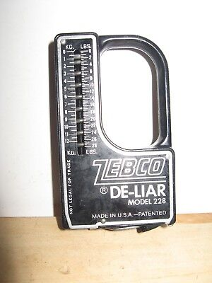 VINTAGE ZEBCO De-Liar Model 228  Fish 28 Pound Scale & Tape Measure - NICE - USA