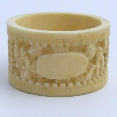 Antique Chinese Canton Carved Bovine Bone Napkin Ring, 19Th Century