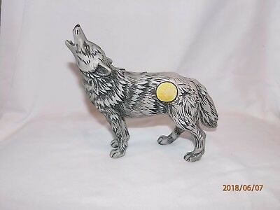 Call Of The Wolf Figurine -- Full Moon