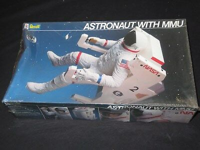 Revell Astronaut with MMU backpack Model Kit UNOPEN SEALED MINT 1984 Space Nasa