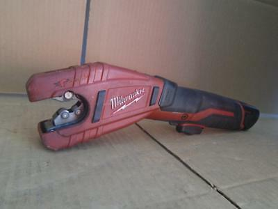 Milwaukee Cordless Copper Tubing Cutter 12V ((