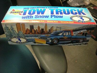 SUNOCO 1996 Collector's Edition Tow Truck with Plow - New In Box