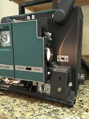 Vintage BELL & HOWELL 1552 B 16mm Sound Film Projector