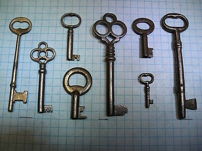 Lot Of 8 Antique Skeleton, Furniture, Barrel, Cabinet And Old Lock Keys