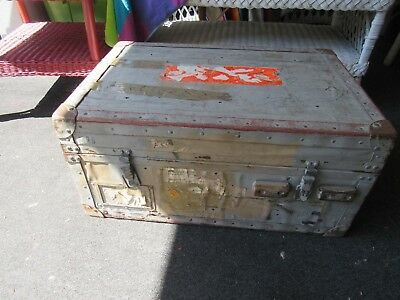 Metal Trunk   LOCAL PICK UP ONLY