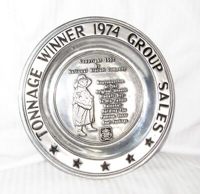 TONNAGE WINNER 1974 GROUP SALES - Nabisco Biscuit Boy Metal Presentation Plate