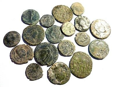 *Patony* GOOD LOT OF 18 ROMAN COINS TO CLEAN AND CLASSIFY (3)